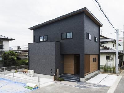 【浜線バイパスそば】季節を満喫する裏庭ウッドデッキの家、初公開!